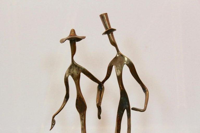 Elegant Bronze 'Holding Hands' Sculpture, 1970s For Sale 2