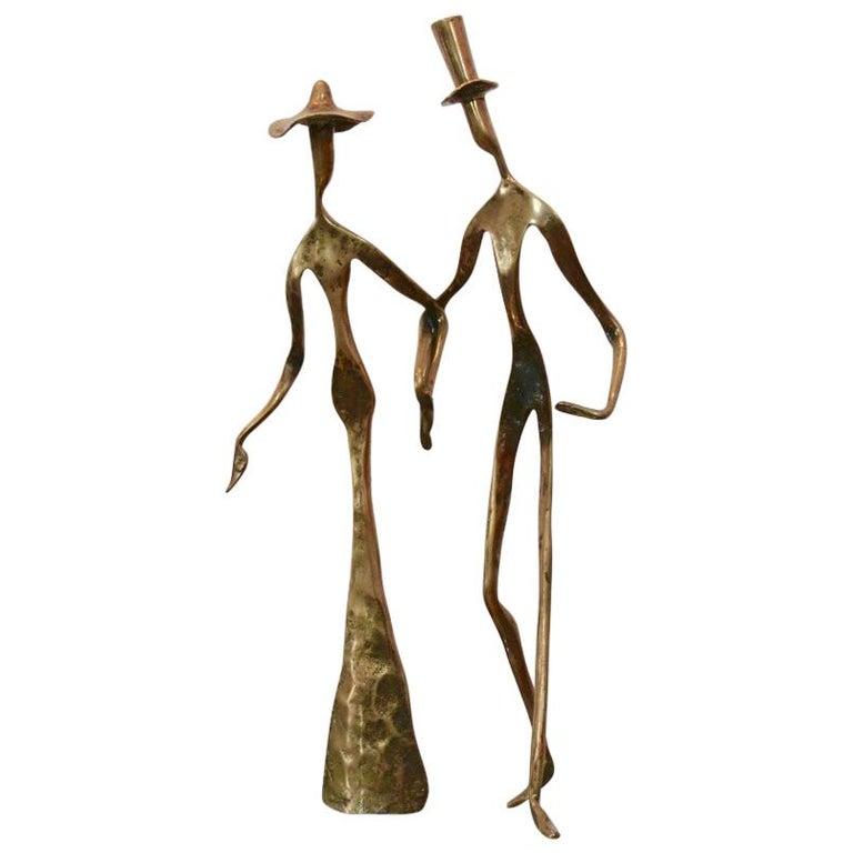 Elegant Bronze 'Holding Hands' Sculpture, 1970s For Sale
