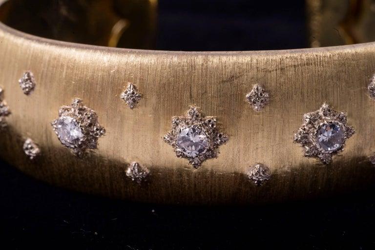 Renaissance Elegant Buccellati Gold and Diamond Bangle Bracelet For Sale