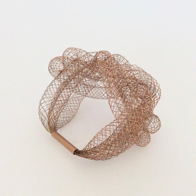 Elegant Copper Wire Bracelet, circa 1990, U.S.A For Sale 2
