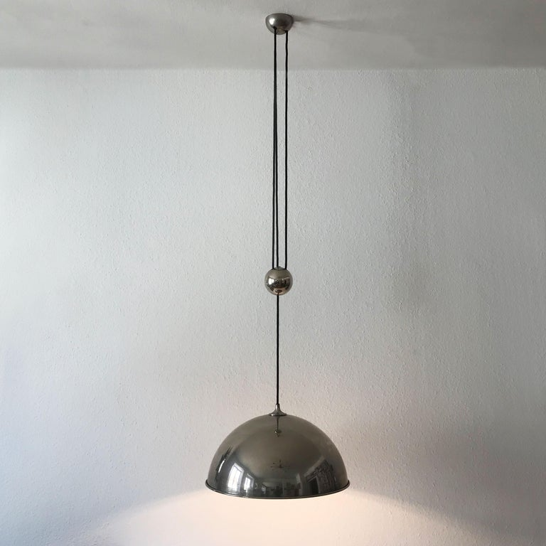 Mid-Century Modern Elegant Counter Balance Pendant Lamp by Florian Schulz Germany 1980s For Sale