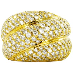 Elegant Diamond Yellow Gold Ring