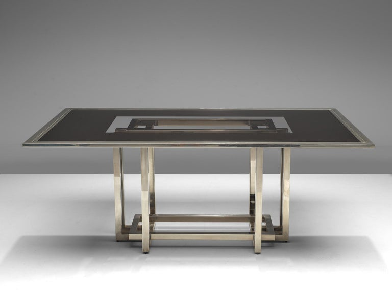 Late 20th Century Elegant Dining Table in Glass and Chrome For Sale