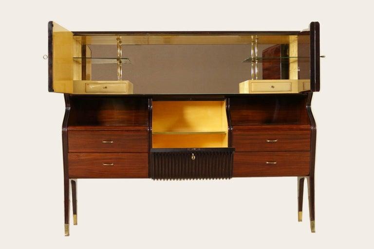 Mid-Century Modern Elegant Dry Bar by Osvaldo Borsani for Atelier Borsani Varedo, 1950s For Sale