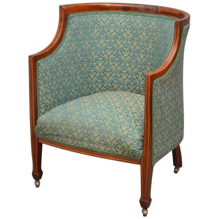 Elegant Edwardian Armchair in Mahogany For Sale at 1stdibs