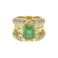 Elegant Emerald and Diamond Ring