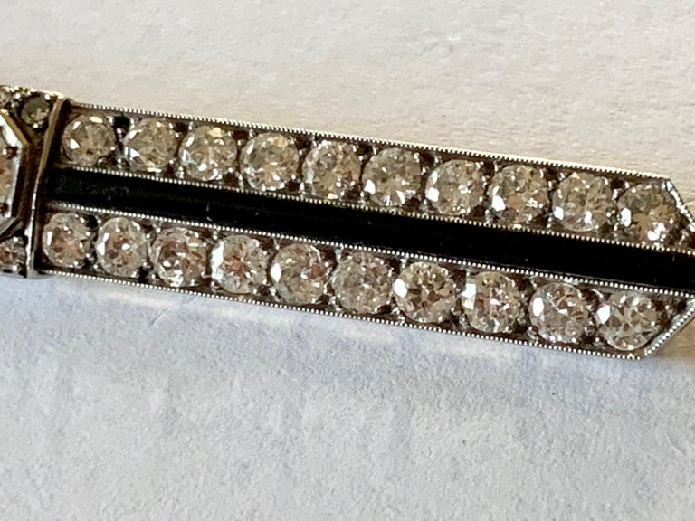 Round Cut Elegant French Art Deco Platinum Diamond and Onyx Bar Pin Brooch For Sale