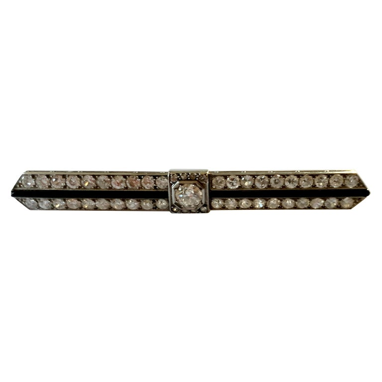Elegant French Art Deco Platinum Diamond and Onyx Bar Pin Brooch For Sale