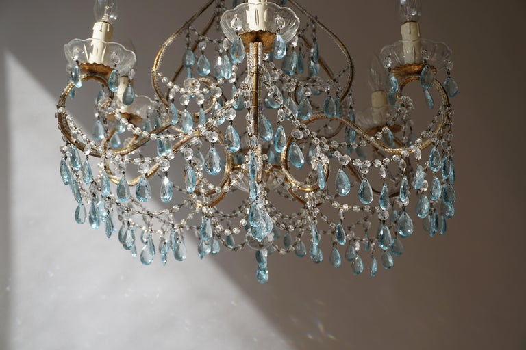Elegant French Brass and Glass Chandelier For Sale 1
