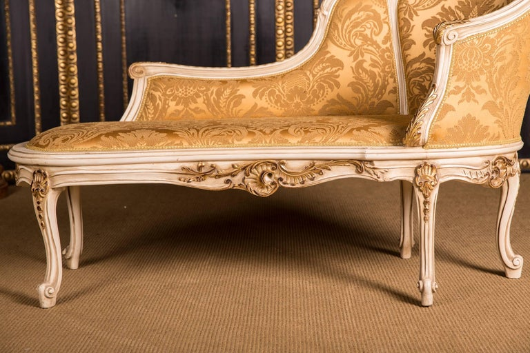 Louis XV Elegant French Chaise Longue in Louis Quinze Style For Sale