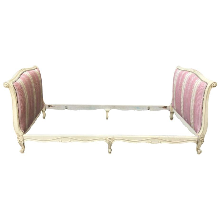 Elegant French Louis XV-Style Day Bed