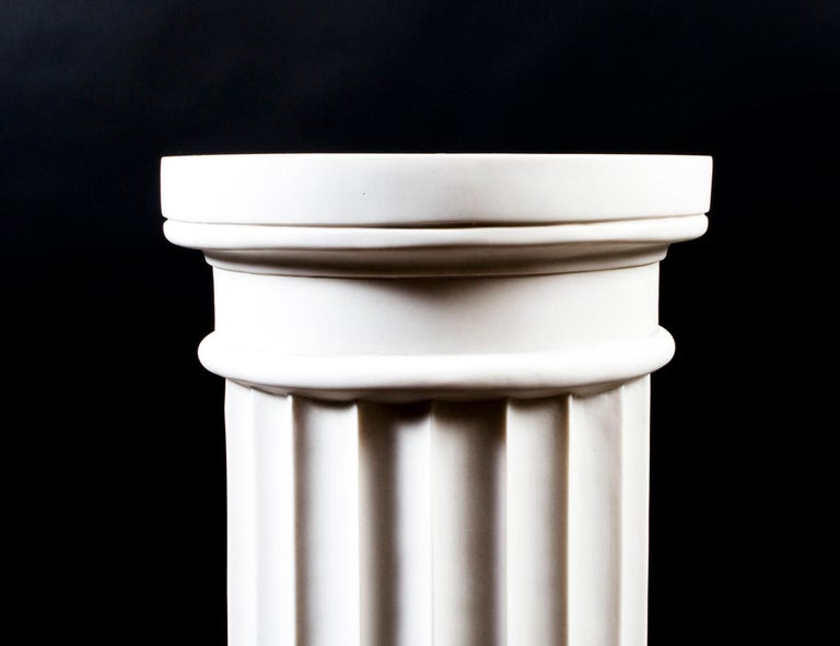 Elegant Grecian Marble Doric Column Pedestal In Excellent Condition For Sale In London, GB