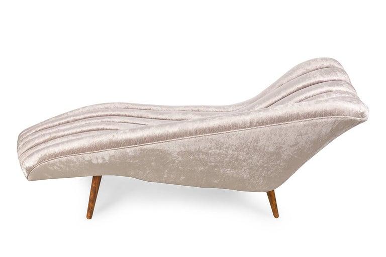 Danish Elegant Grey Chenille Hans Hartl Chaise Longue, Denmark 1950s For Sale