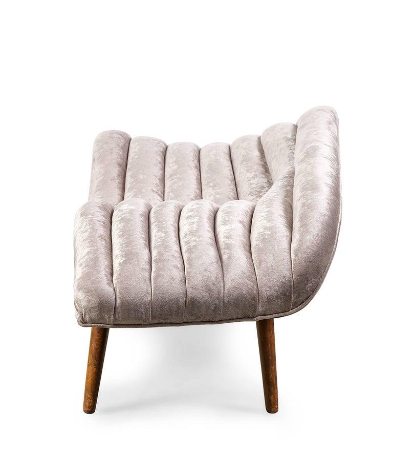 Mid-20th Century Elegant Grey Chenille Hans Hartl Chaise Longue, Denmark 1950s For Sale