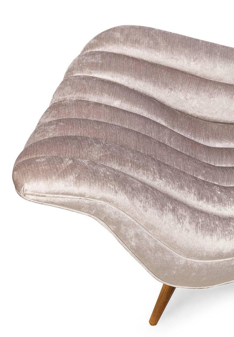 Fabric Elegant Grey Chenille Hans Hartl Chaise Longue, Denmark 1950s For Sale