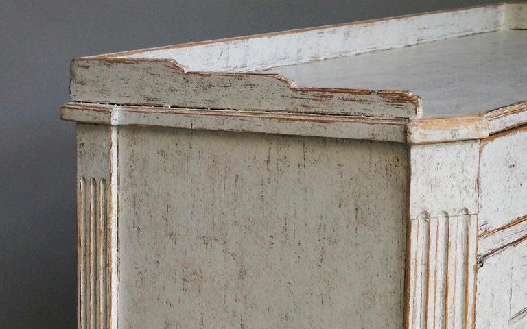 Elegant Gustavian Sideboard 1