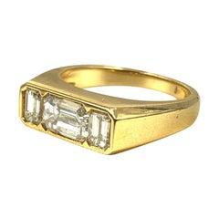 Elegant Illario 18 Karat Gold Emerald Cut Diamond Three Stone Ring, 1.85tcw