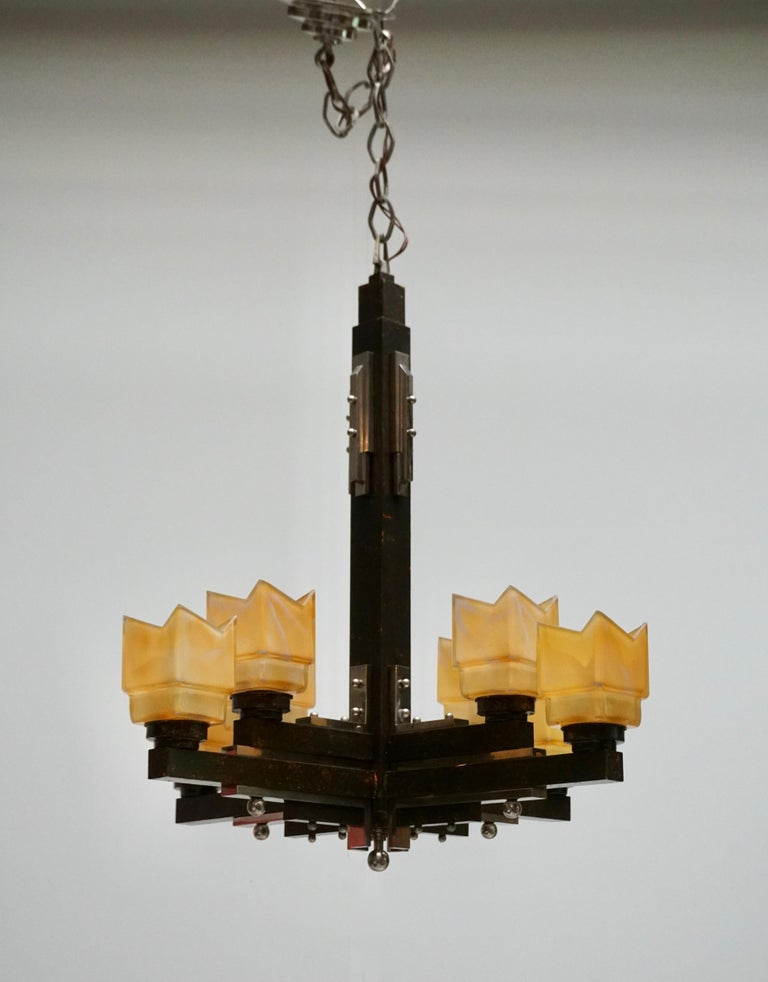 20th Century Elegant Italian Art Deco Chandelier For Sale
