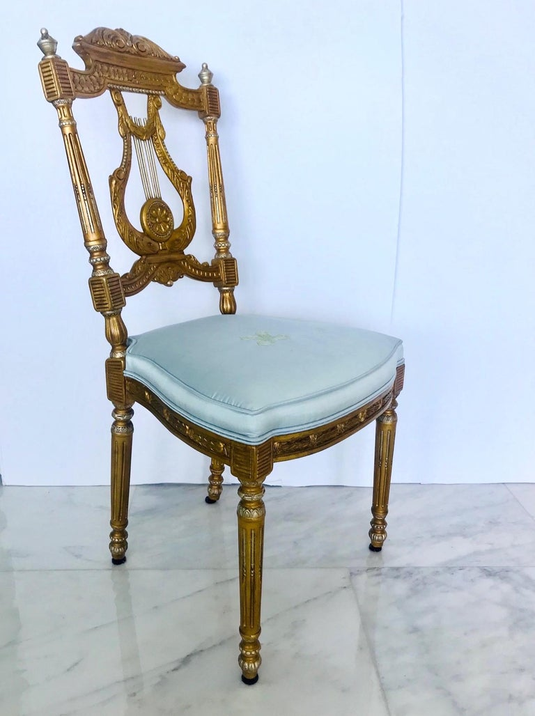 Hand-Carved Elegant Italian Belle Époque Lyre Chair in Antique Gold Leaf For Sale