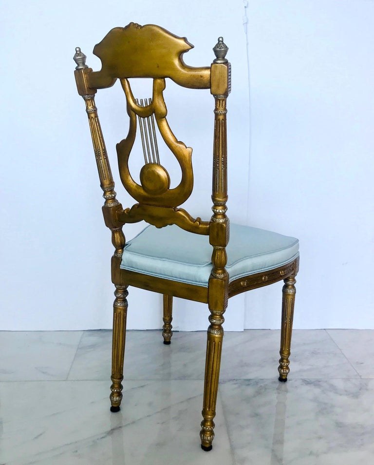 Elegant Italian Belle Époque Lyre Chair in Antique Gold Leaf In Good Condition For Sale In Miami, FL