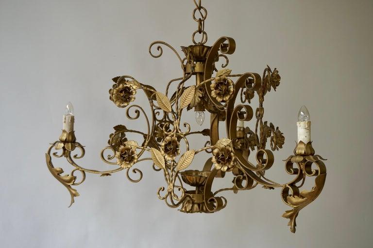 Elegant Italian Chandelier For Sale 1