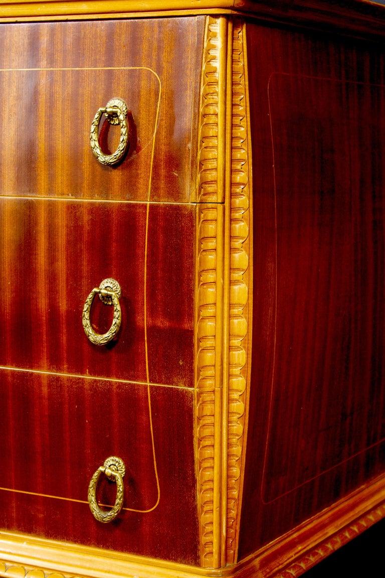 Elegant Italian Design Art Deco Commode 1940 Attributed to Osvaldo Borsani For Sale 2