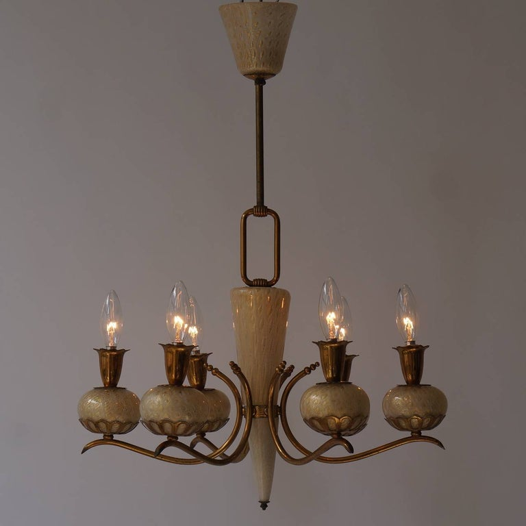 Hollywood Regency Elegant Italian Murano Gold Glass and Brass Chandelier by Barovier & Torso For Sale
