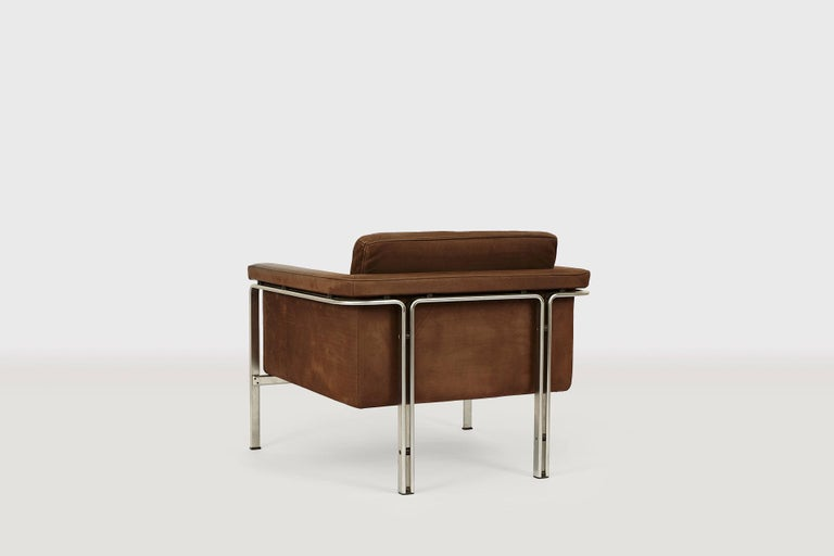 Elegant lounge chair mod. 6911 in maroon brown leather with beautiful patina designed 1968 by Prof. Horst Brüning for Kill International, Germany. The comfortable lounge chair is made in high quality with steel frame an leather seating with elegant