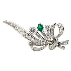 Elegant Meister Diamond Brooch with Emerald in Platinum 950