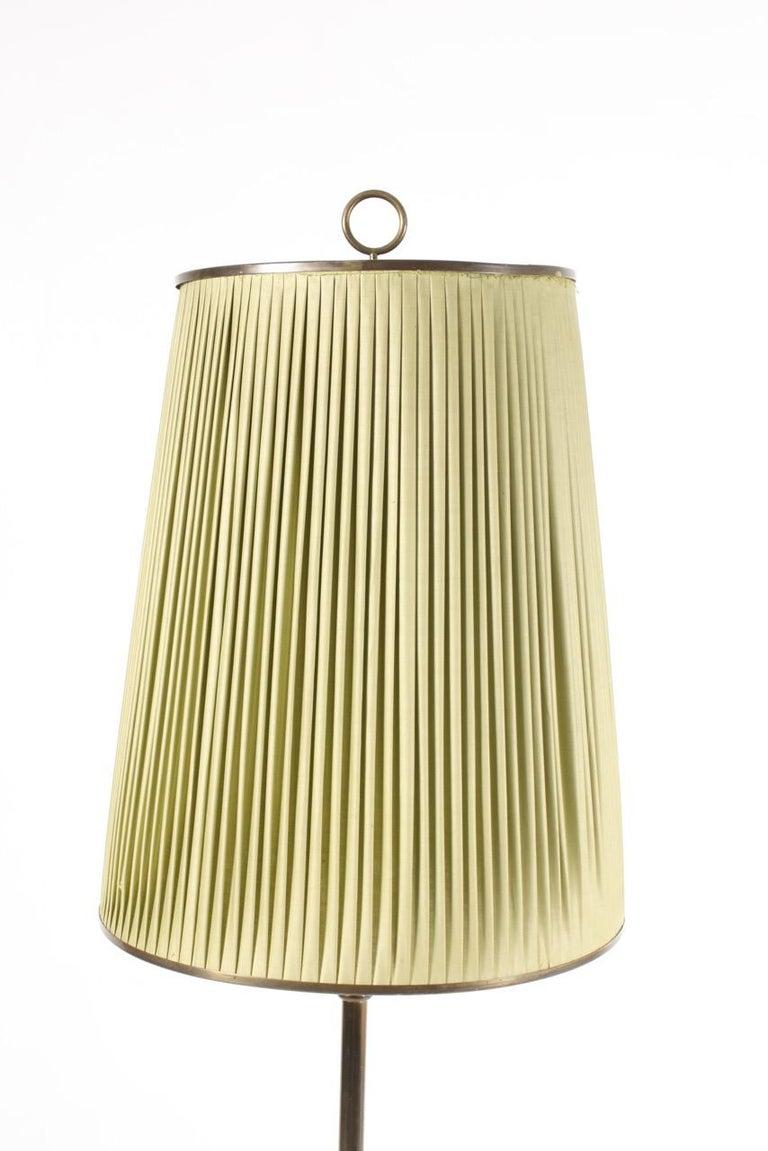 Scandinavian Modern Elegant Midcentury Floor Lamp in Brass by Lysberg Hansen , Danish Design For Sale