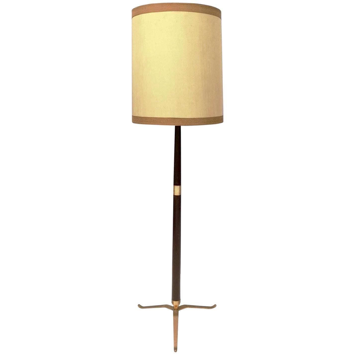 Elegant Midcentury Wood, Brass and Varnished Metal Floor Lamp, Italy, 1950s