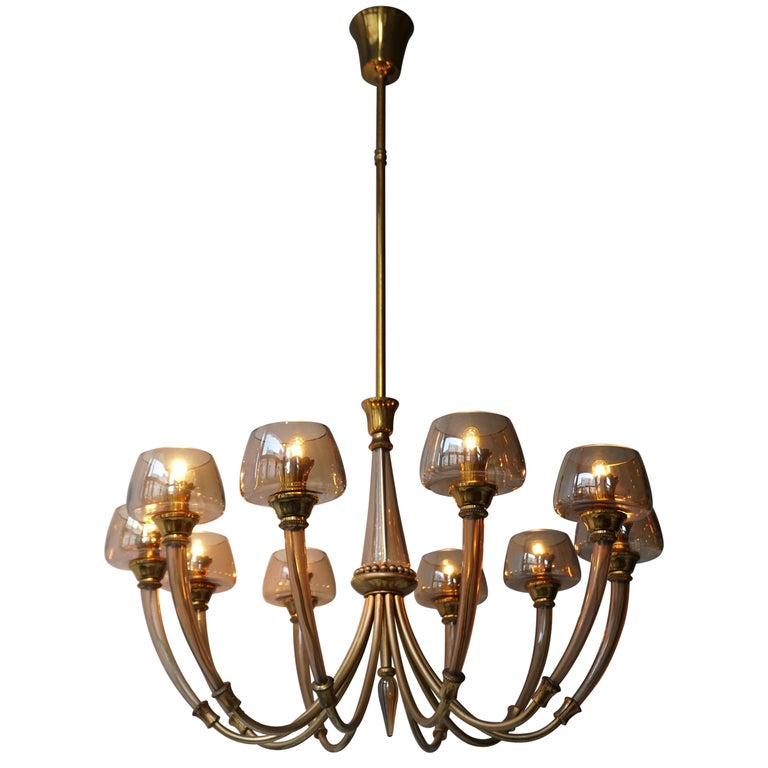 Elegant Murano Glass and Brass Chandelier For Sale