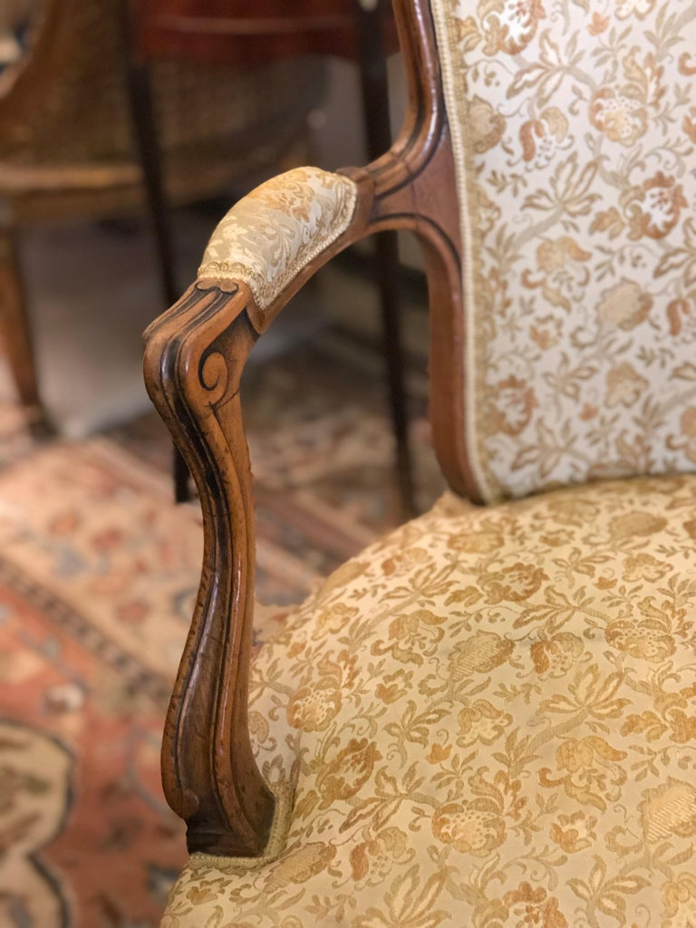 Elegant Pair of Antique French Armchairs in Louis XV Style, circa 1880 For Sale 3