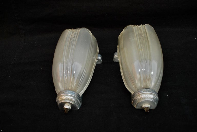 Elegant Pair of Art Deco Sconces In Good Condition For Sale In Los Angeles, CA