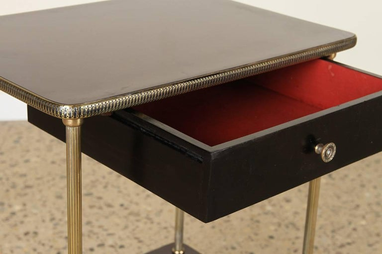 Mid-Century Modern Elegant Pair of Black Lacquer and Brass End or Bedside Tables For Sale