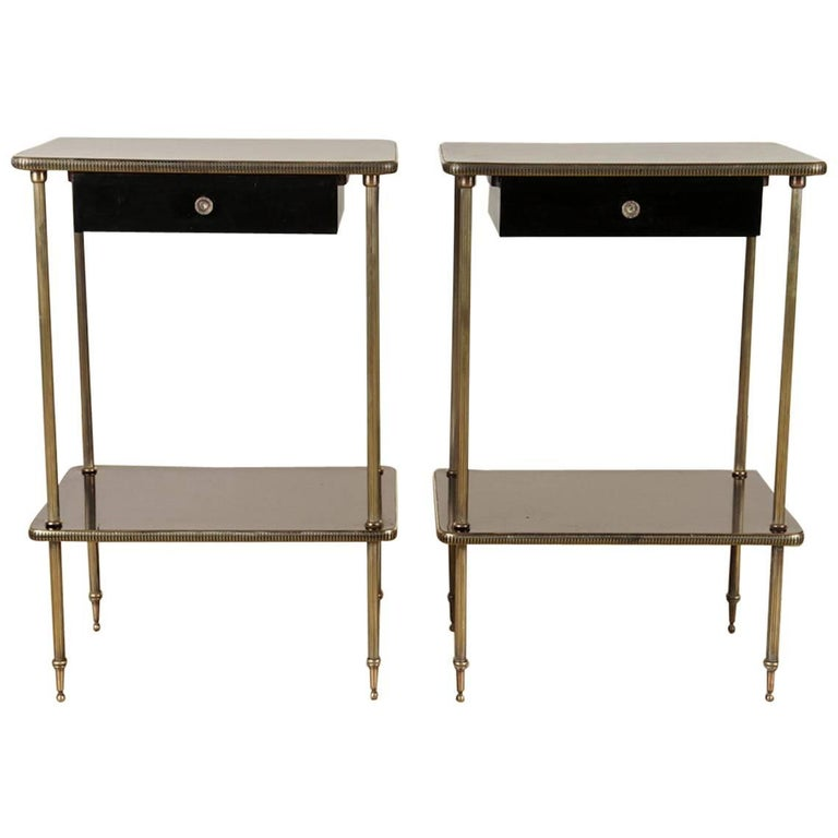 Elegant Pair of Black Lacquer and Brass End or Bedside Tables For Sale