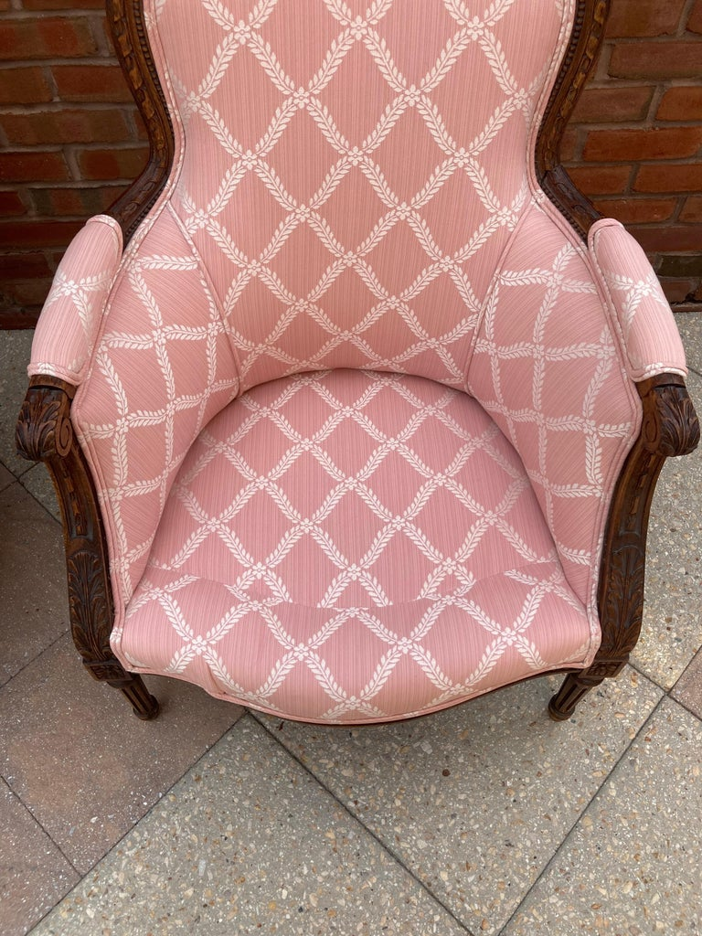 Louis XVI Elegant Pair of Classic French Style Bergere Chairs with Walnut Frames For Sale