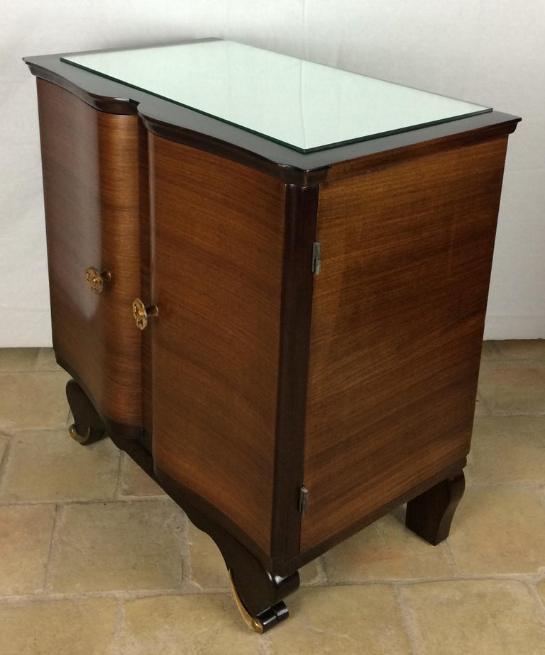 Mid-20th Century Elegant Pair of French Art Deco Nightstands or Side Tables, Rosewood For Sale