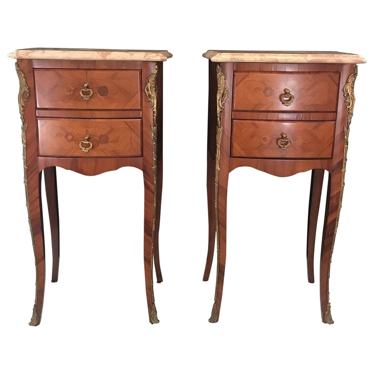 Elegant Pair of French Louis XV Marble-Top Nightstands For Sale
