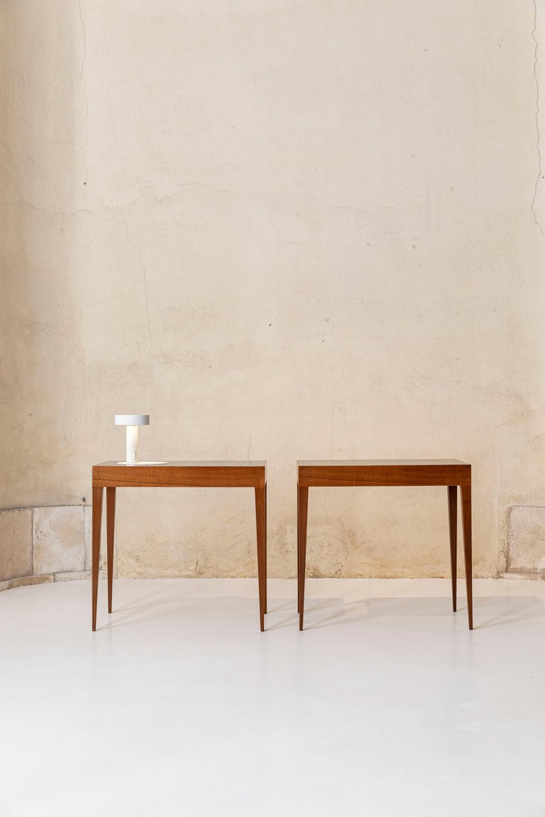 Chestnut Elegant Pair of Italian Midcentury Tables in the Style of Gio Ponti For Sale