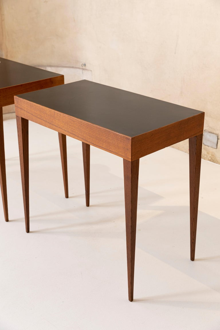 Elegant Pair of Italian Midcentury Tables in the Style of Gio Ponti For Sale 2