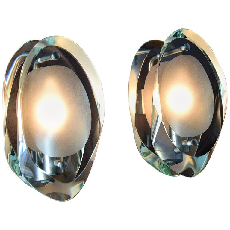 Elegant Pair of Sconces by Max Ingrand for Fontana Arte For Sale