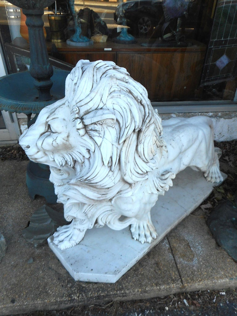 Elegant Pair of White Marble Lion Statues For Sale 4