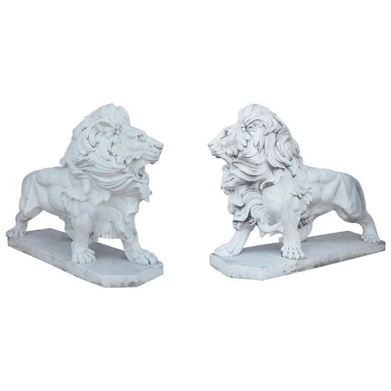 Elegant Pair of White Marble Lion Statues For Sale