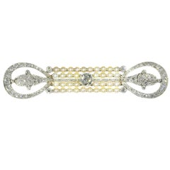 Elegant Platinum Diamonds '4.70 Carat' and Pearls Art Deco Belle Époque Brooch