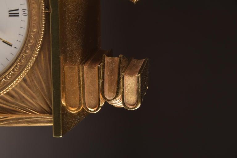 Elegant and Prestigious Fire-Gilt Empire Library Pendulum, circa 1800 For Sale 1