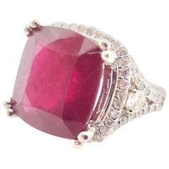 Elegant Ruby Diamond Ring 14 Karat White Gold