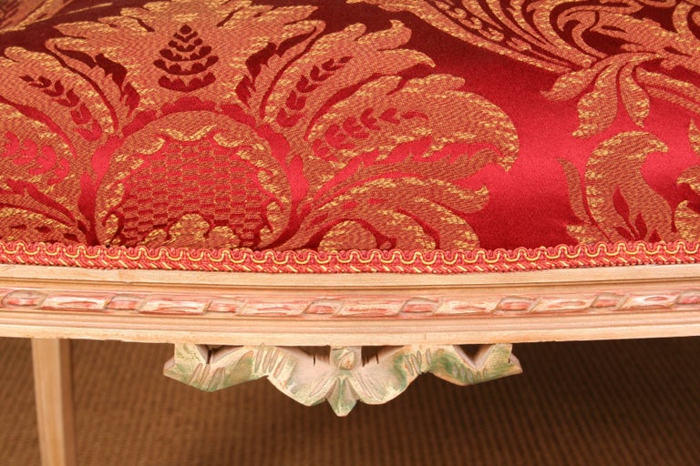Elegant Seating Group in the Classicist Style In Good Condition For Sale In Berlin, DE