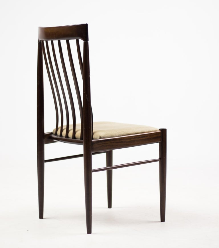 Scandinavian Modern Elegant Set of Eight H.W. Klein Dining Chairs in Mahogany For Sale