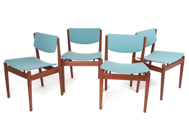 Danish Finn Juhl Set of Six Scandinavian Modern Teak Dining Chairs, Denmark 1960's For Sale